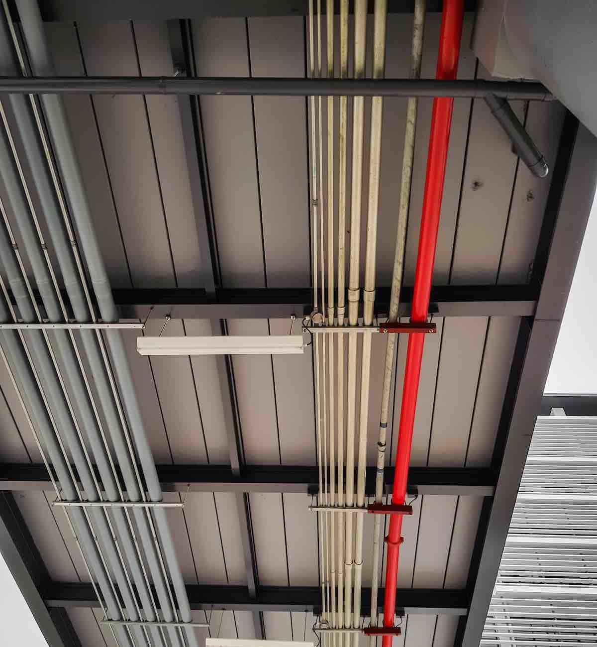 instalación de tuberia eléctrica y de contra incendio